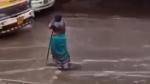 ஒரே இடத்தில் 8 மணி நேரமாக நின்று கொண்டிருந்த வயதான பெண்... காரணத்தை கேட்டு அசந்து போன மக்கள்...