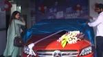 தலை சுற்ற வைக்கும் அதிக விலை கொண்ட சொகுசு காரை வாங்கிய பிரபல நடிகை... யாருனு தெரிஞ்சா மிரண்டுருவீங்க!