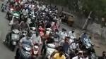 இப்படிலாம் பண்ணா ஏன் கொரோனா வராது... புனேவில் நடைபெற்றுள்ள அதிர்ச்சிகர சம்பவம்!!