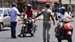 ஒரே நாளில் இத்தனை பேர் மீது வழக்கா!! சென்னையில் வாகன ஓட்டிகளை விரட்டி விரட்டி பிடிக்கும் போலீஸார்!