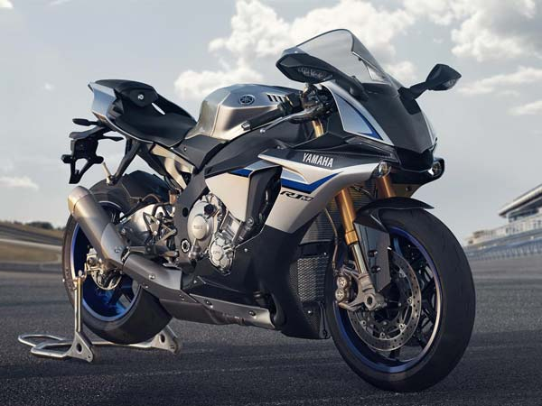 yamaha-yzf-r1-and-yzf-r1m-superbikes-are-recalled-in-india