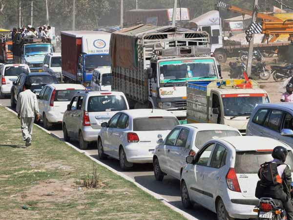 trucks-allowed-inside-delhi-city-limits-after-night-11pm-only