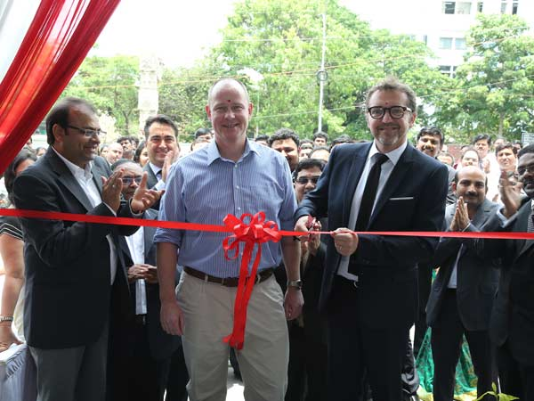 nissan-carmaker-opened-a-new-showroom-in-chennai
