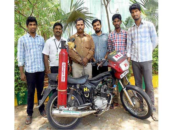 college-students-tamilnadu-create-hydrogen-bike-returning-148km-l-mileage