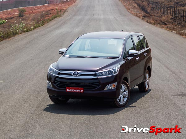 toyota-innova-crysta-mpv-15000-bookings-in-10-days