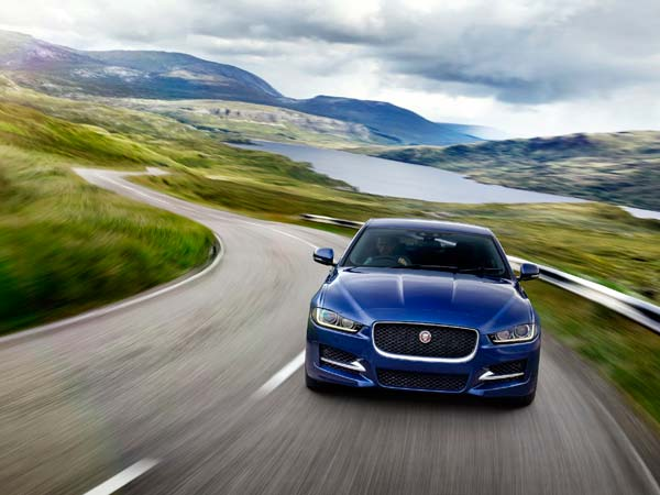 jaguar-xe-prestige-variant-launched-india-for-rupees-43-69-lakh