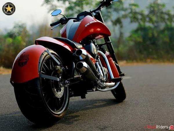 ராயல் என்ஃபீல்டு கிளாசிக் 500 மோட்டார்சைக்கிளை உருமாற்றிய பெங்களூர் நிறுவனம்!