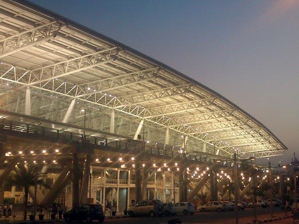 2 விமான ஓடுபாதைகளை இணைக்கும் விதமாக சென்னை விமான நிலையத்திற்கு 2 சுரங்க பாதைகள்..!!