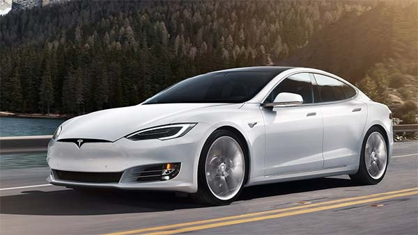 Tesla Model S cleared by police … 3 lakh rupees left over in fuel costs per year …