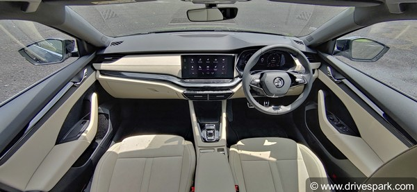 2021 Skoda Octavia: புதிய ஸ்கோடா ஆக்டேவியா காரின் வேரியண்ட் வாரியாக வசதிகள் விபரம்!