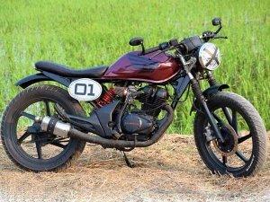 கஃபே ரேஸர் போன்று மாற்றப்பட்ட ஹோண்டா யூனிகார்ன் 150 பைக்!!