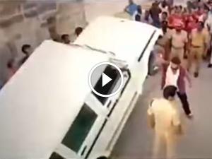 நடிகர் பாலகிருஷ்ணா சாகசத்தை கிண்டல் செய்து வாங்கி கட்டிக் கொண்ட ஆனந்த் மஹிந்திரா!