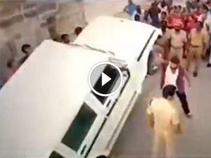 ஆனந்த் மஹிந்திராவை வறுத்தெடுக்கும் நடிகரின் ரசிகர்கள்!