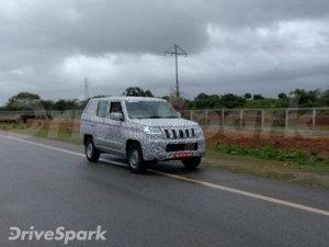 மஹிந்திரா நிறுவனம் புதிய 'டியூவி 300 பிளஸ்' காரின் டெஸ்ட் டிரைவ் படங்கள் கசிந்தன..!!