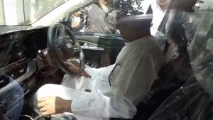 முதல் முறையாக புதிய காரை திறந்து வைத்த அரசியல் கட்சி தலைவர்.