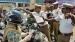 ஹெல்மெட் அணியாத வாகன ஓட்டிகளை தடுத்து நிறுத்த வேண்டாம்... முதல்வர் போட்ட அதிரடி உத்தரவு!